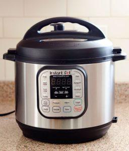 which-instant-pot-to-buy-Instant-Pot-Duo-pressurecookertips.com