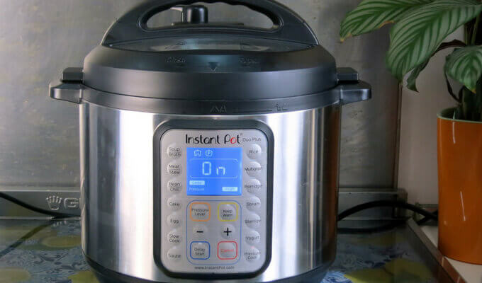 instant-pot-duo-vs-duo-plus-compare-pressurecookertips.com