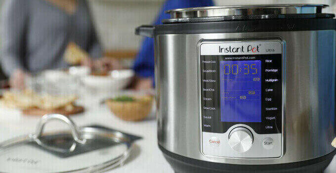 Instant-Pot-Ultra-vs-Duo-Plus-instant-pot-ultra-10-in-1-pressurecookertips.com