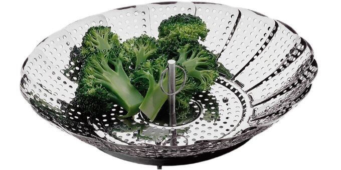 how-to-use-a-pressure-cooker-steamer-basket-pressurecookertips.com