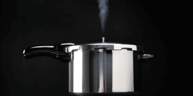 pressure-cooker-steam-coming-out-of-safety-valve-pressurecookertips.com